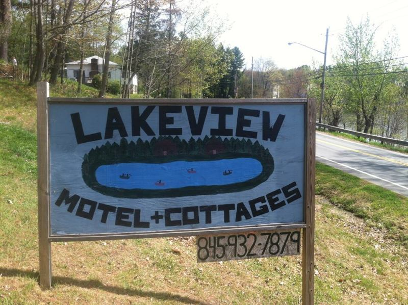 Lakeview Cottages & Motel