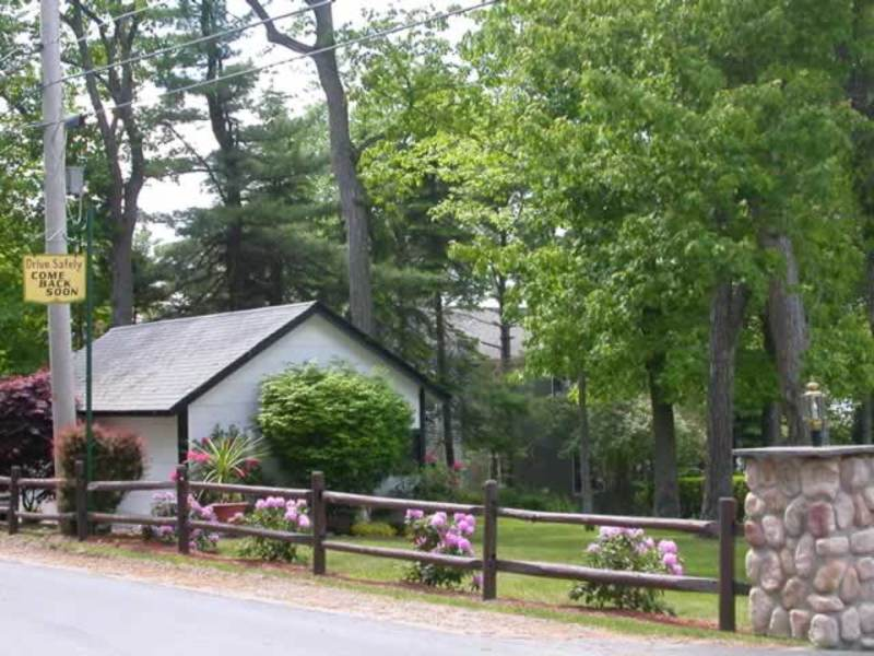 Helen Morrell – Guest Cottages at Masten Lake