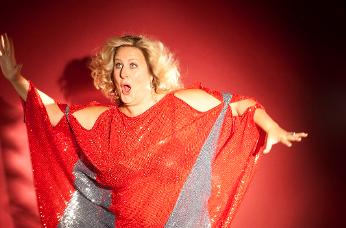 Bridget Everett Bringing Edgy Comedy to Houston
