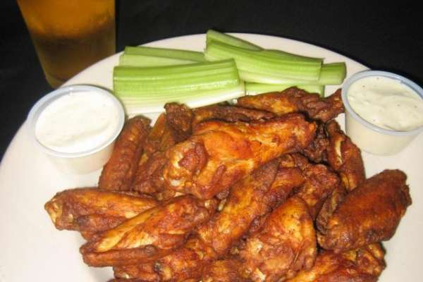 shake_n_bake_wings_with_ice_cold_beer_w640