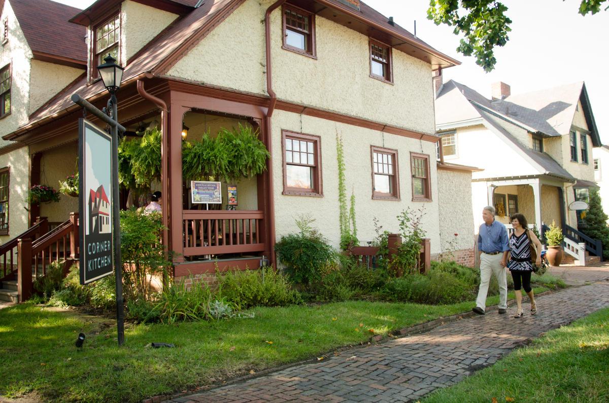 Biltmore village asheville nc 39 s official travel site for Asheville arts and crafts biltmore village