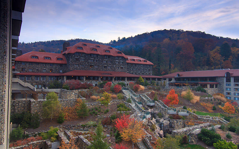 Asheville n c places to stay hotels resorts cabins for Asheville nc lodging cabins