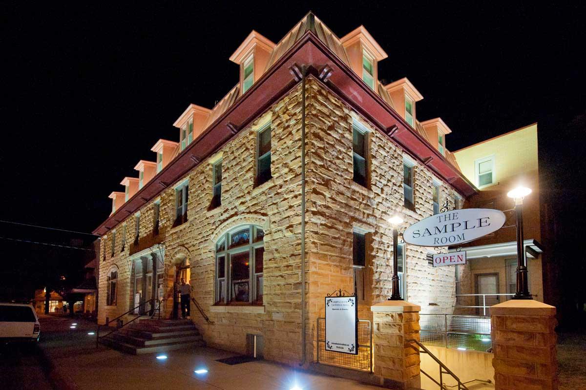 Hotels & Motels in Kansas | Resorts, Suites & Inns