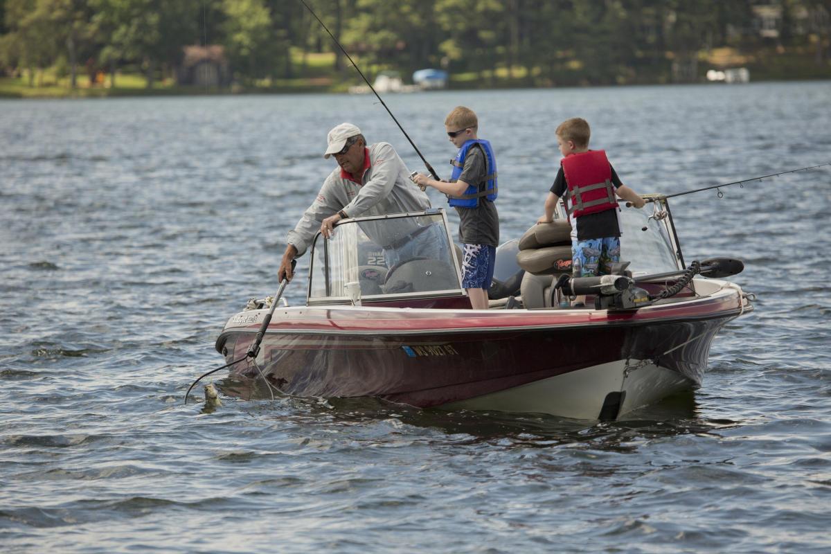Minocqua wi fishing musky walleye fishing for Wisconsin ice fishing resorts