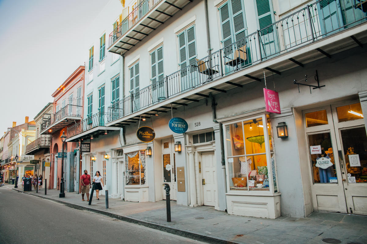french quarter shopping guide new orleans gifts. Black Bedroom Furniture Sets. Home Design Ideas