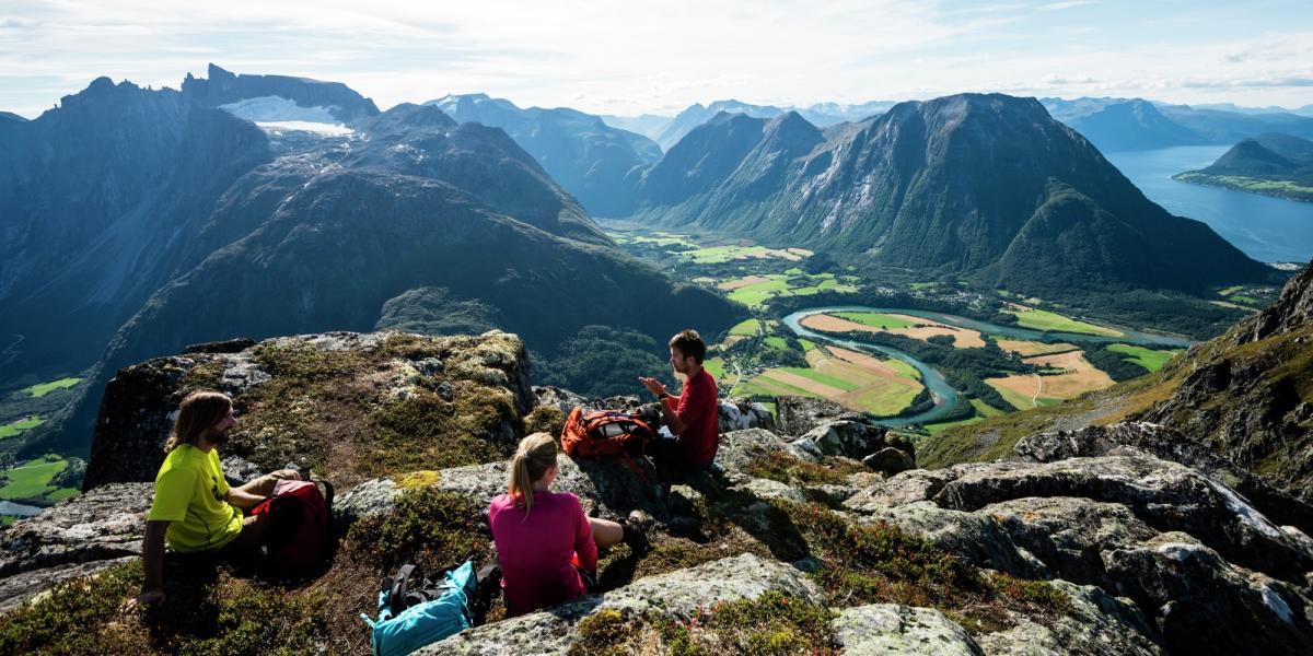 Romsdalseggen Offisiell Reiseguide Til Norge