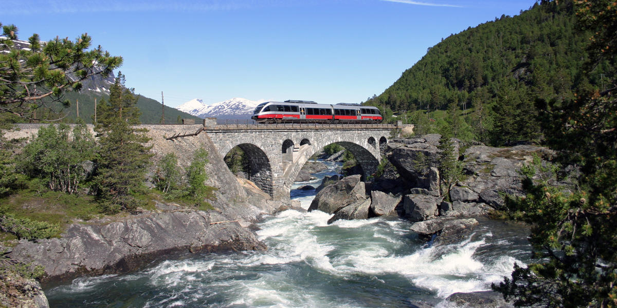 Getting Around By Train Official Travel Guide To Norway - Norway map railway