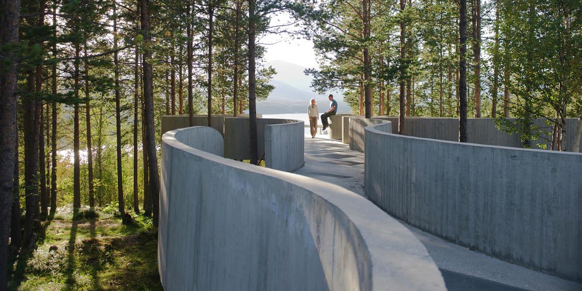 Resultado de imagen para Sohlbergplassen, el mirador sobre el lago Atnsjøen.