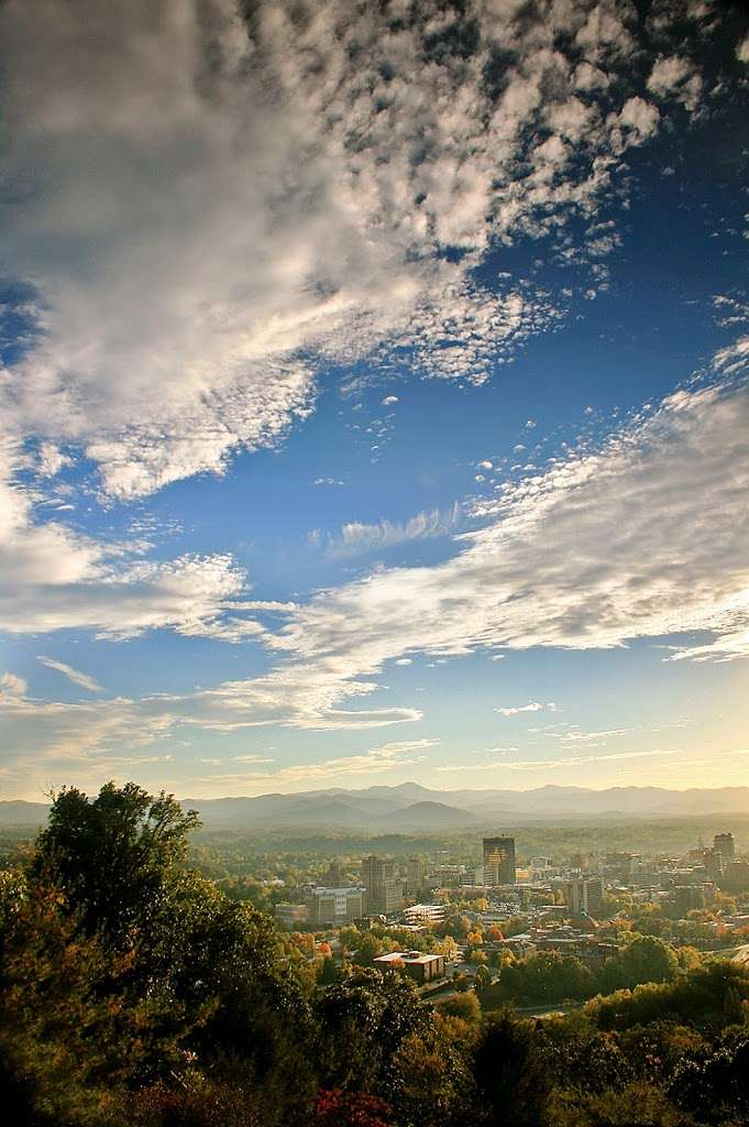 Top 5 Reasons To Meet In Asheville