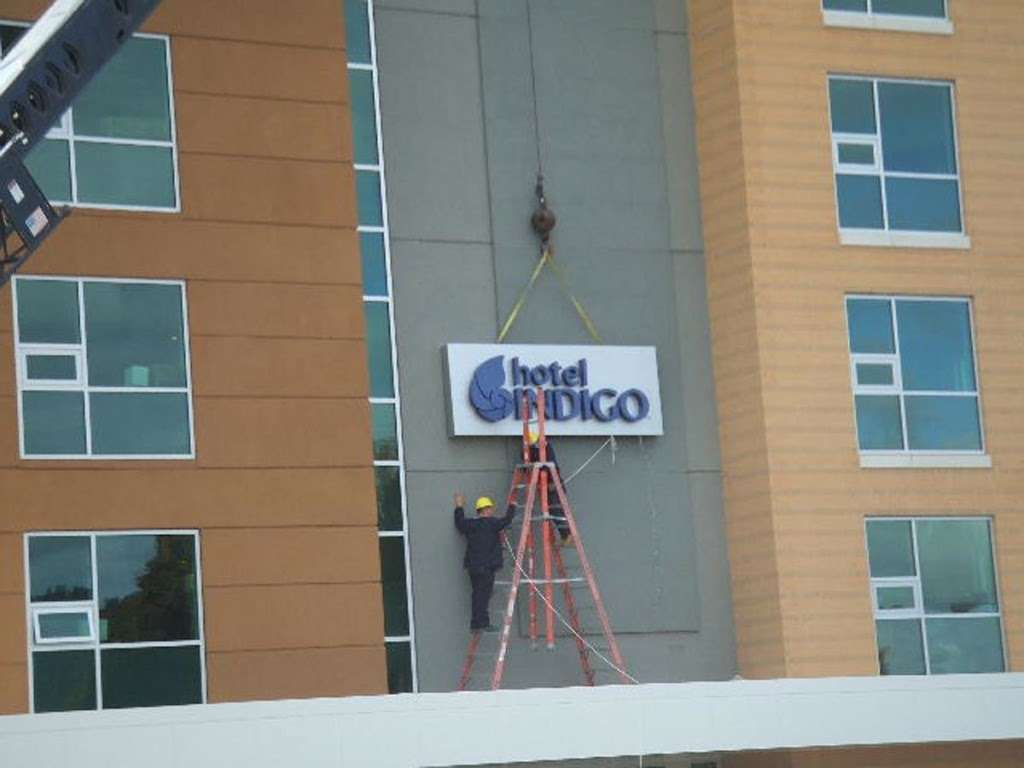 Signs Go Up at Hotel Indigo in Asheville