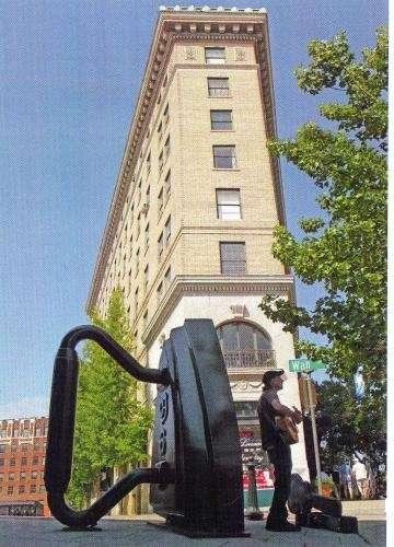Asheville Replaces Iron Sculpture