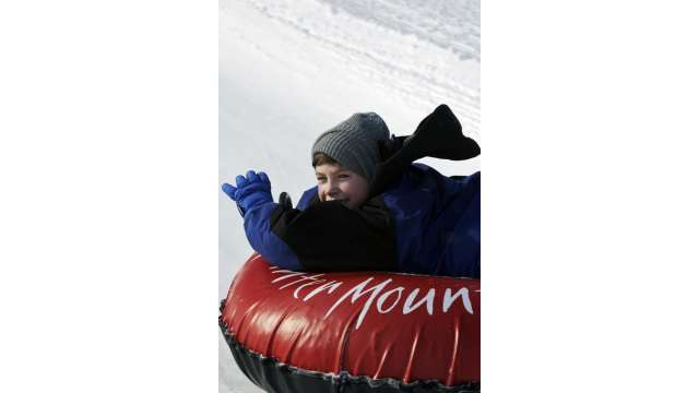 Snow Tubing-Hunter Mountain 1123