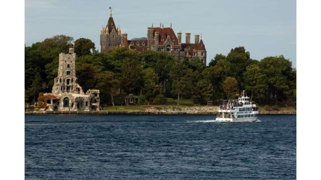 Boldt Castle on Heart Island and boat cruise 1571