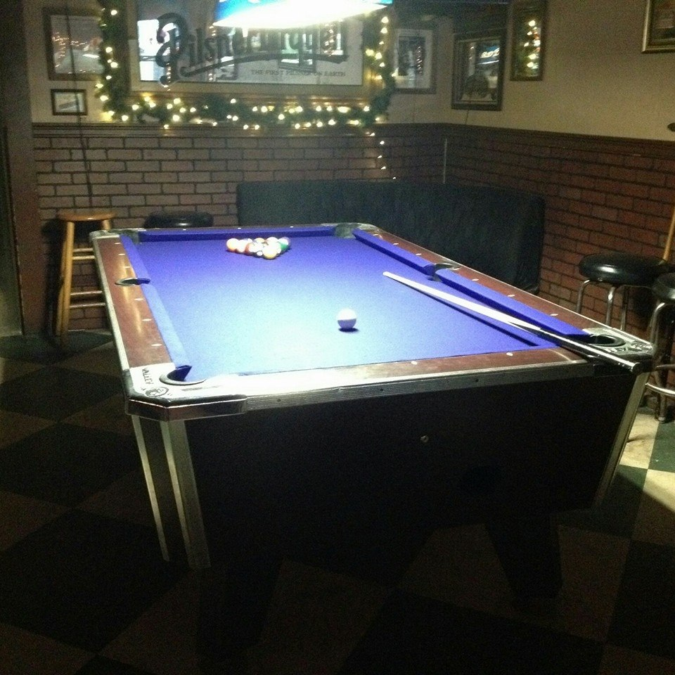 Merveilleux Pool Table