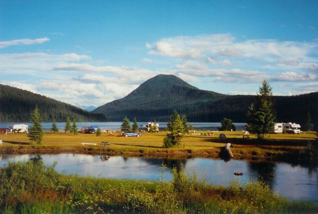 Bowron lake lodge resorts camping travel british for Lakes in bc with cabins