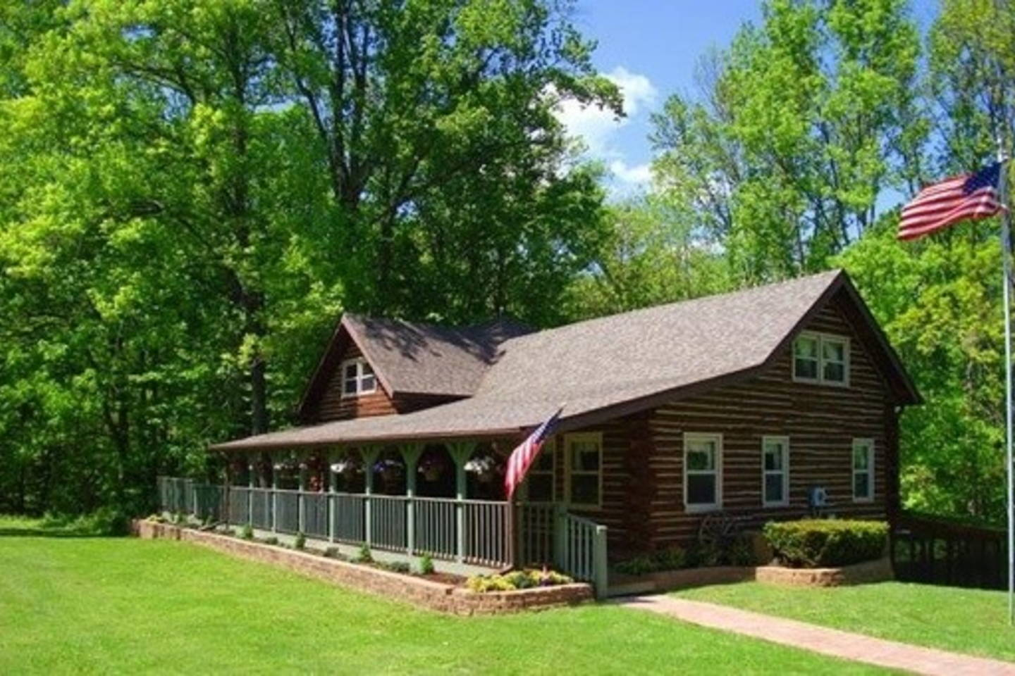 bloomington cabins u0026 guesthouses rentals u0026 special offers