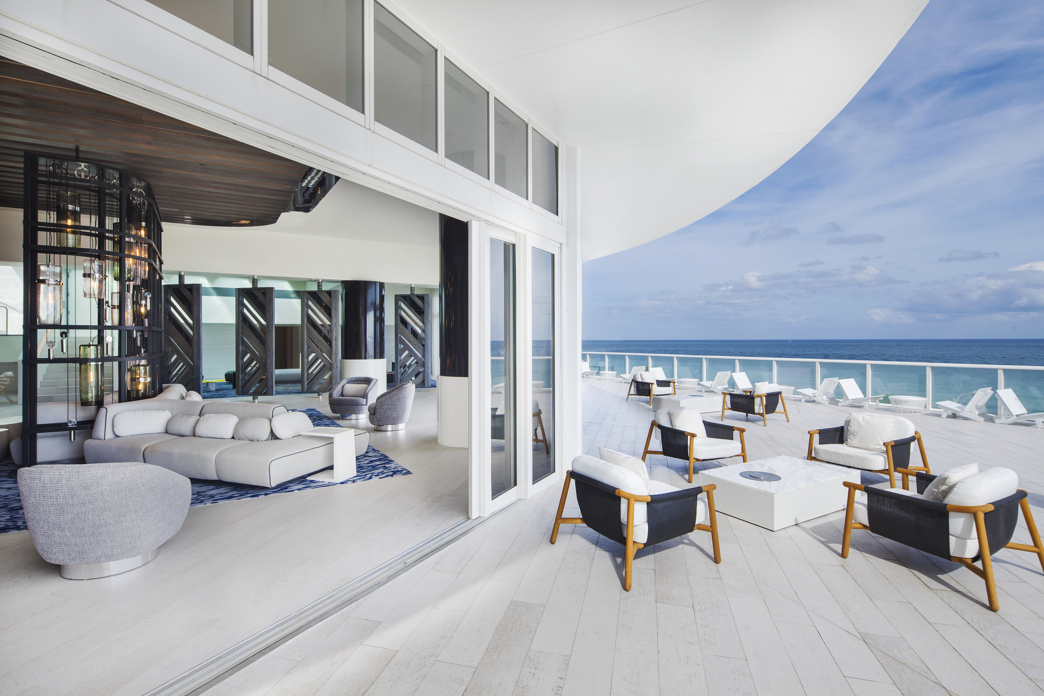 LIVING ROOM AT W FORT LAUDERDALE
