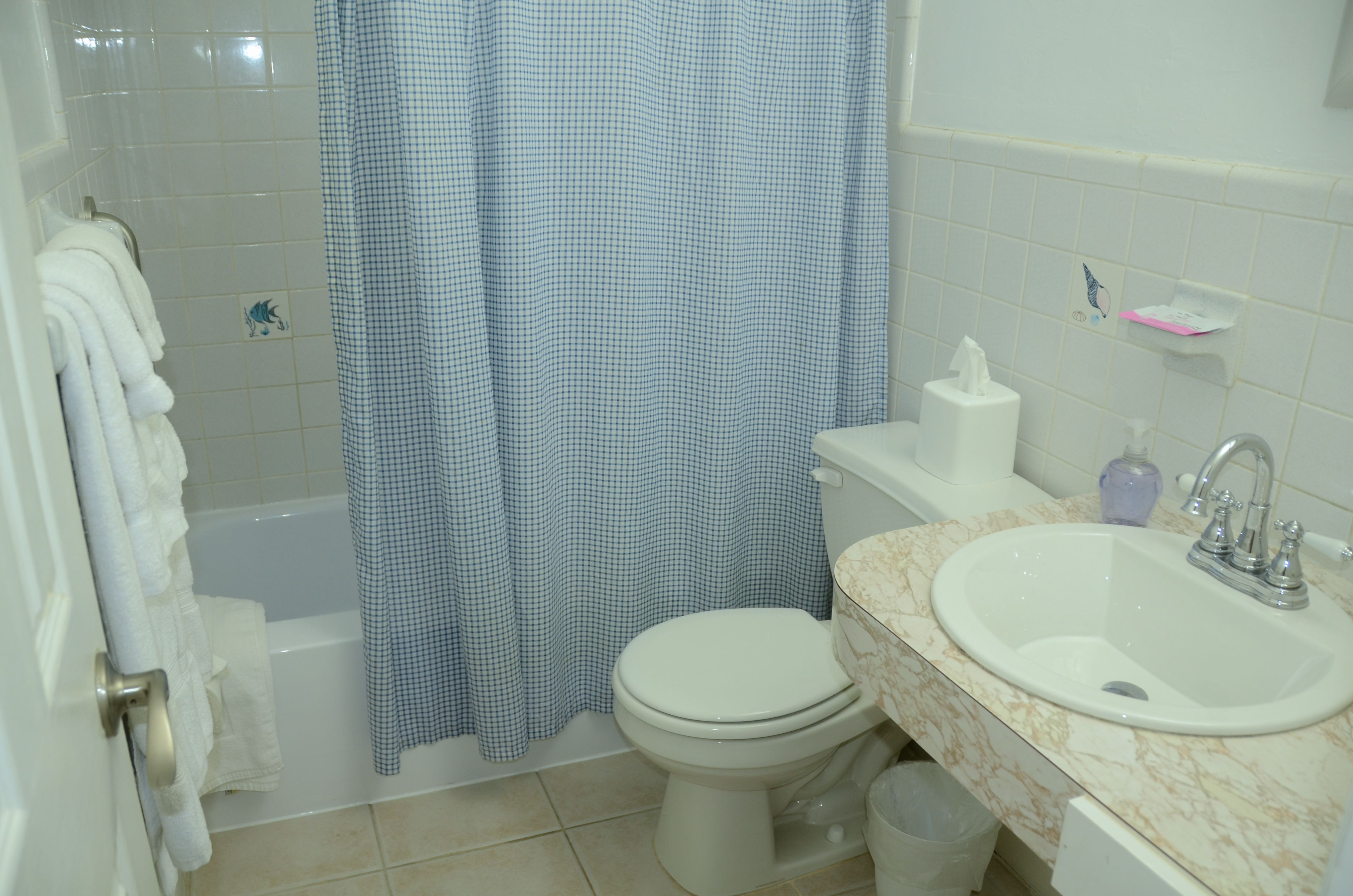 PINEAPPLE PLACE APARTMENTS | Pompano Beach, FL 33062-4514