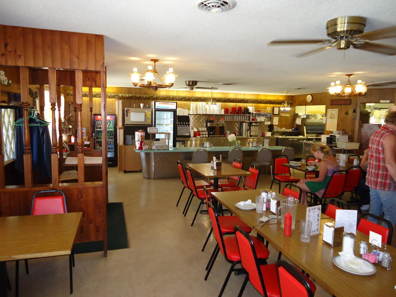 Coachlight Restaurant | Longford, KS 67458