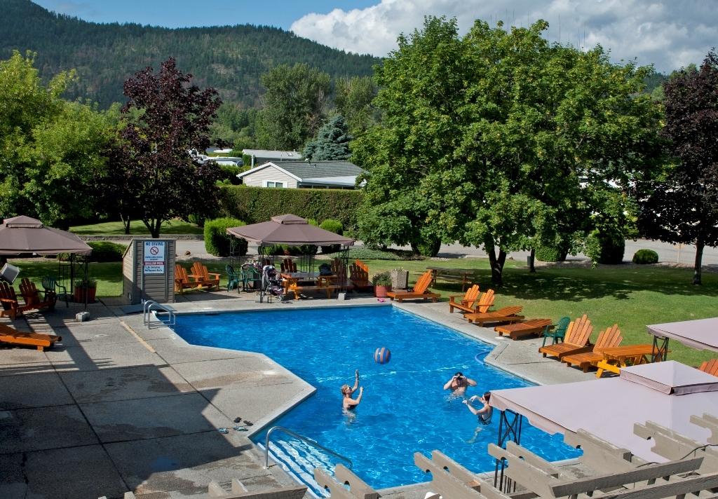 Holiday Park RV And Condo Resort