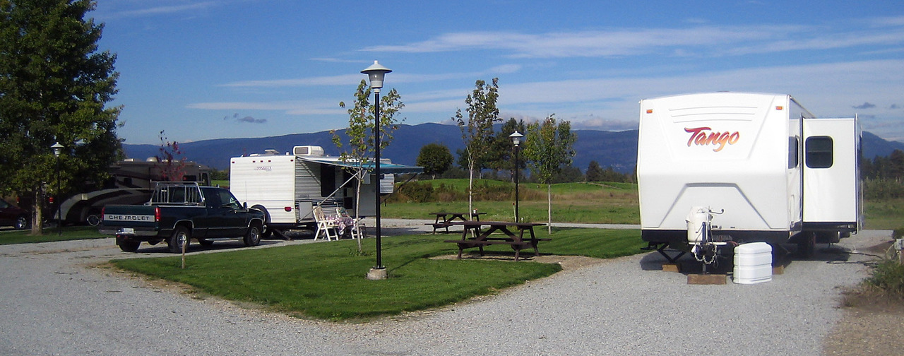 Kelowna camping rv parks tourism kelowna features central bathrooms and showers children welcome electrical hookup guest laundry long term accommodation sciox Choice Image