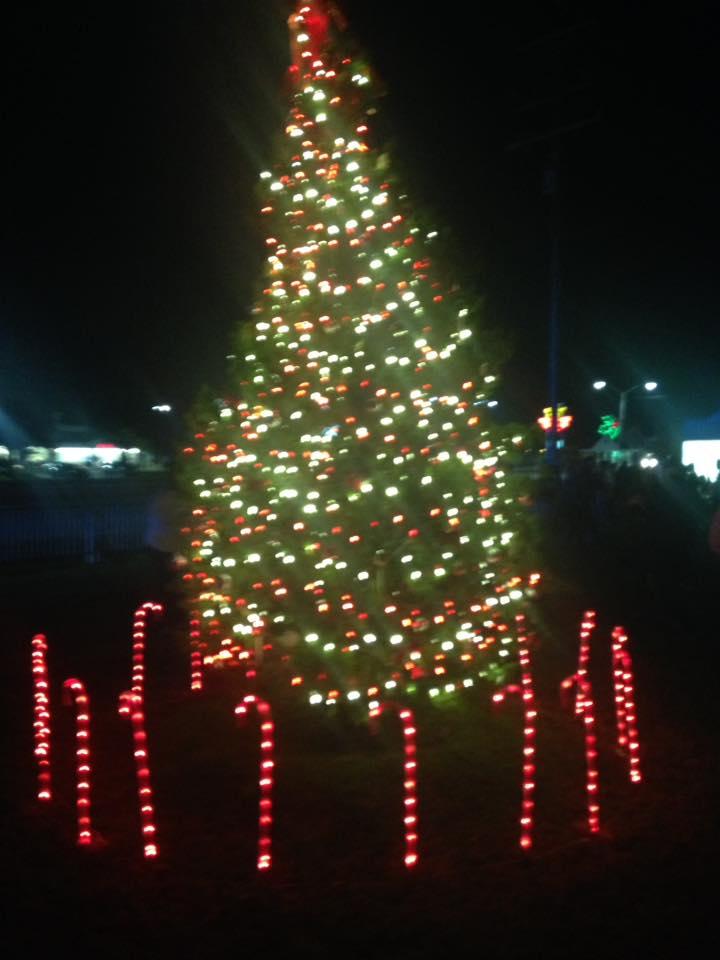 surfside beach christmas tree lighting - Beach Christmas Tree