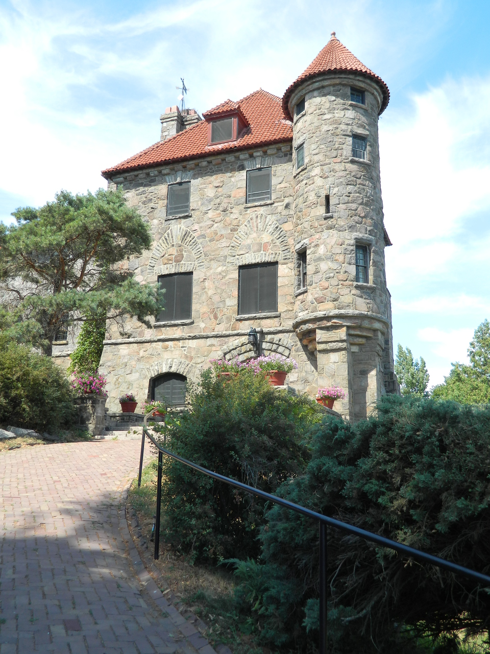 Singer Castle on Dark Island | Hammond, NY 13646 | New York Path ...