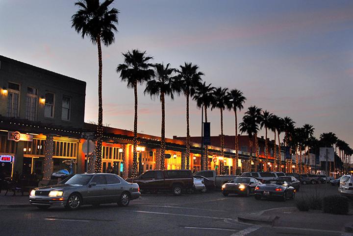 Restaurants Near Arizona Grand Resort