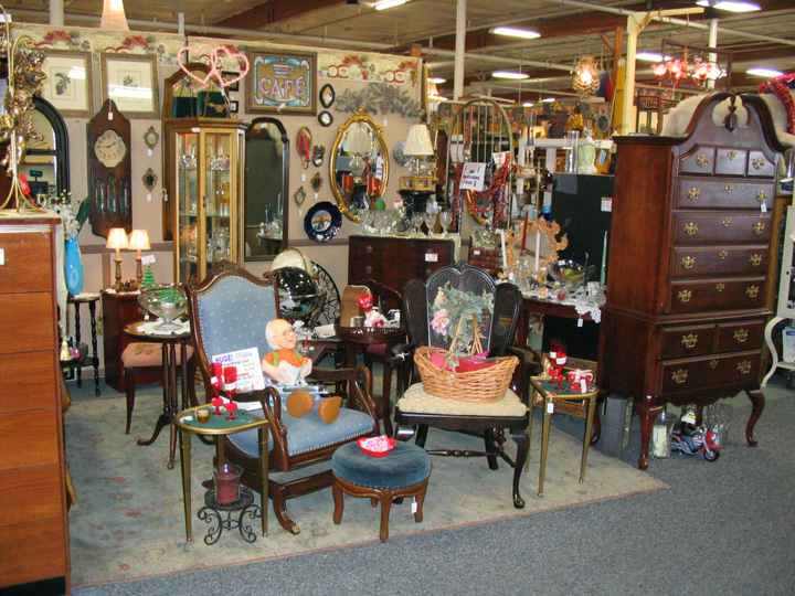 The Brass Armadillo Antique Mall - Shopping In Phoenix Phoenix Malls & Outlet Stores