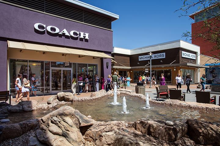 coach store premium outlets 0bmp  View Larger Image