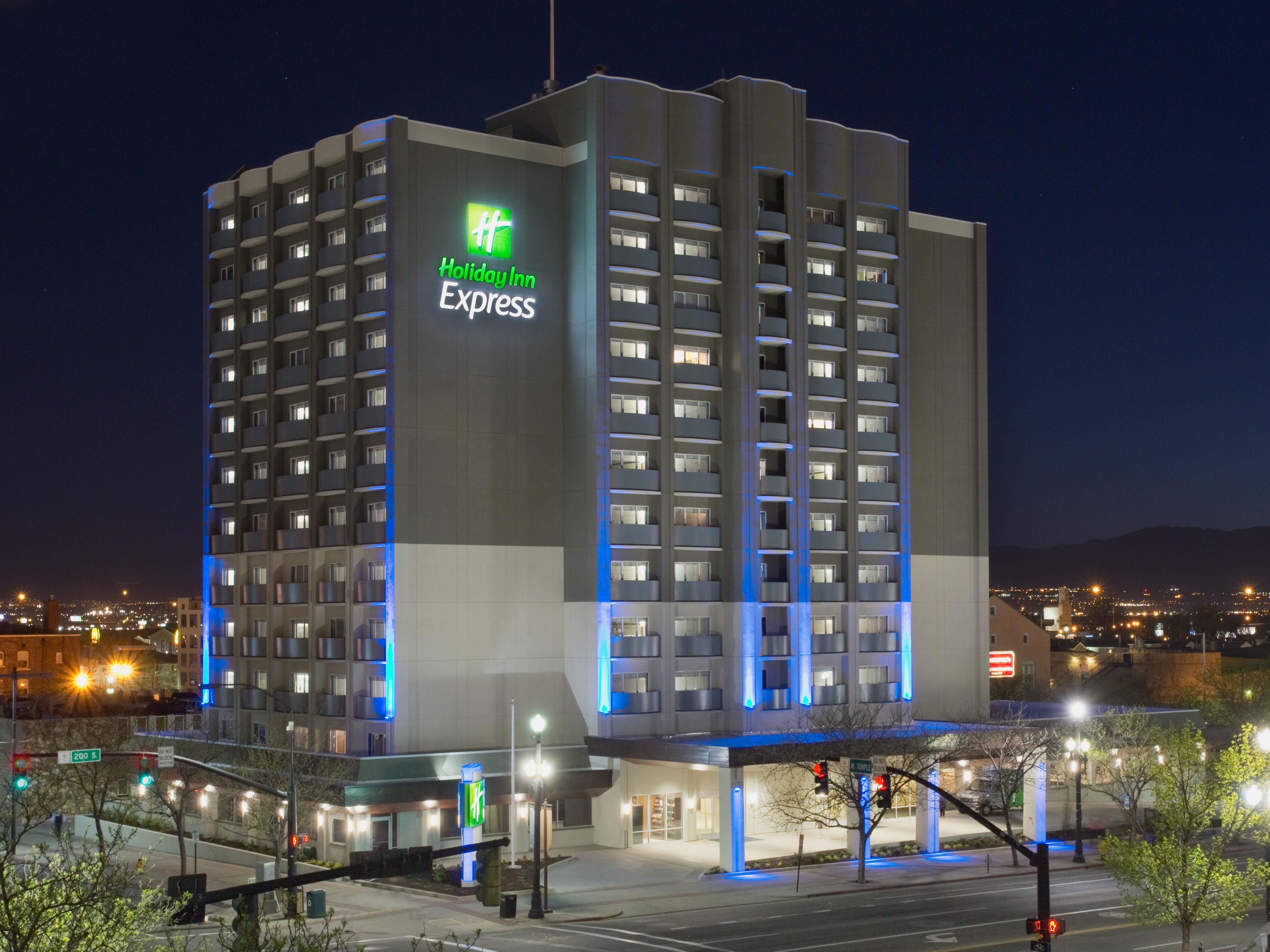 Holiday Inn Express & Suites Salt Lake City-Airport East ...