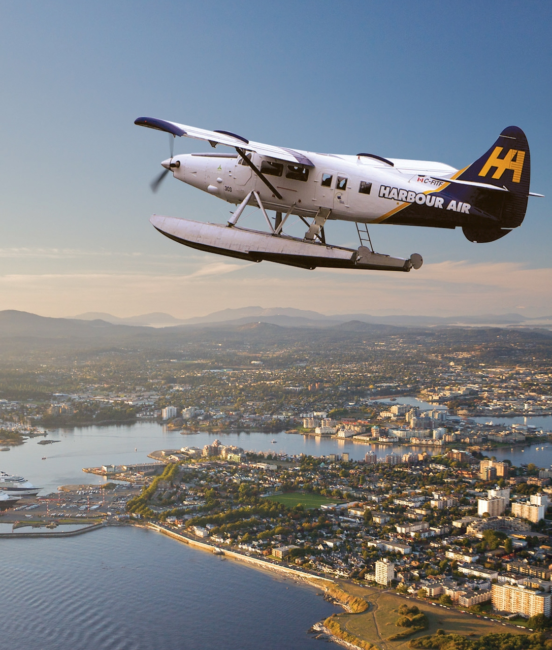 Floatplane Ride Home With Harbour Air - Traveling Islanders