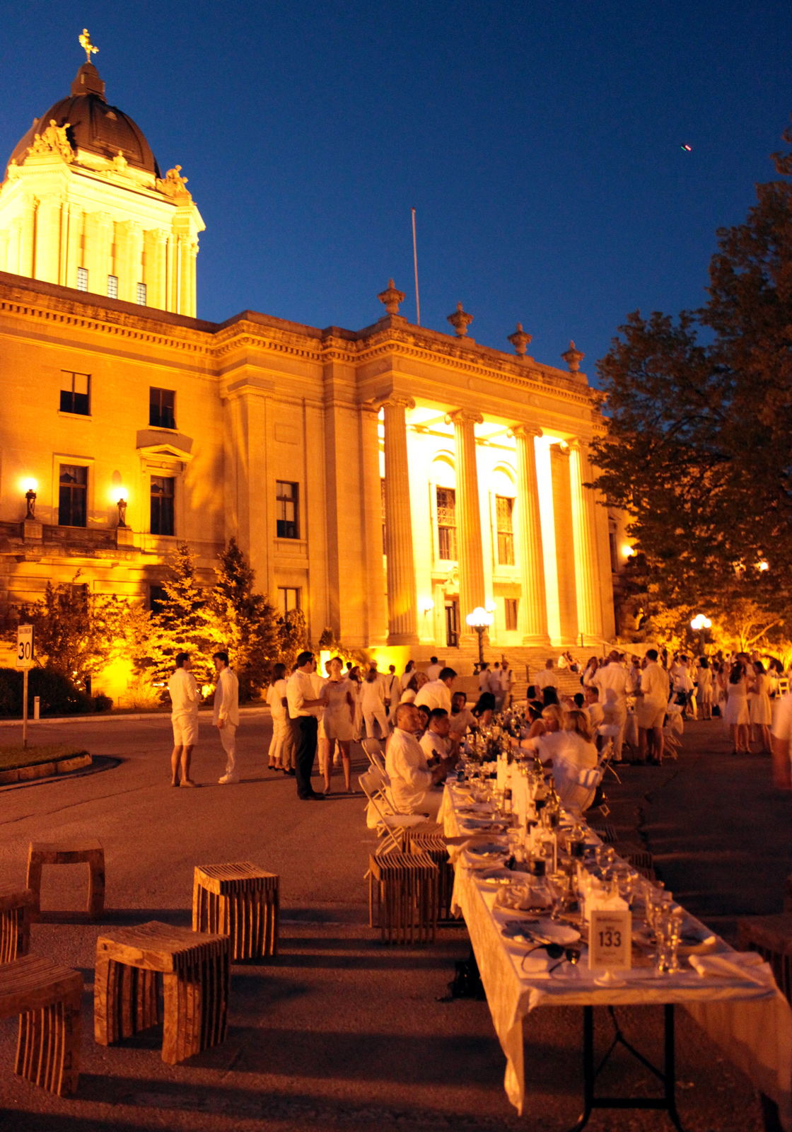 Table for 1201, 2015 at Manitoba Legislative Building.