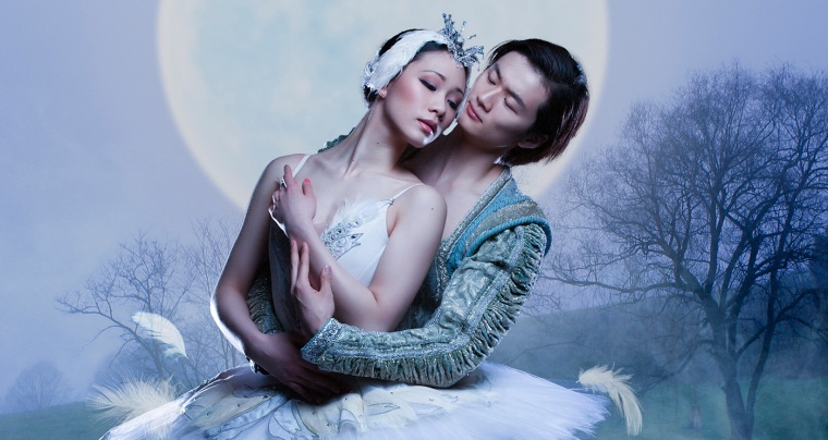 Odette and Prince Siegfried in Swan Lake by the Royal Winnipeg Ballet.