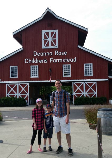 Deanna-Rose-Farmstead-Family