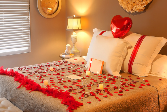 10 romantic ways to impress your date in monterey county - Romantic decorations for hotel rooms ...