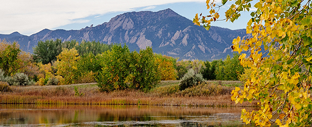 Wonderland Lake Boulder in Fall