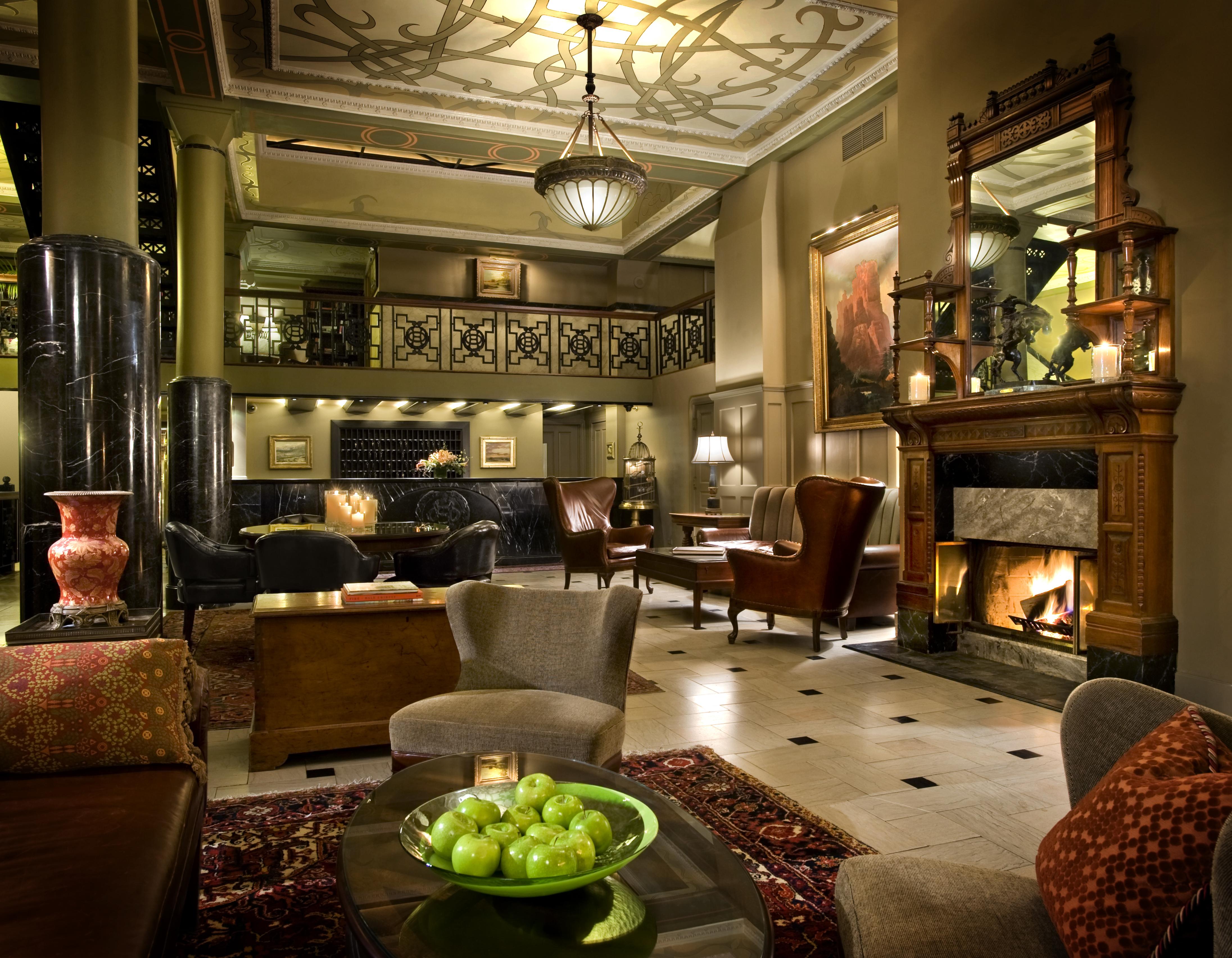 Western motor inn denver for Vintage hotel decor