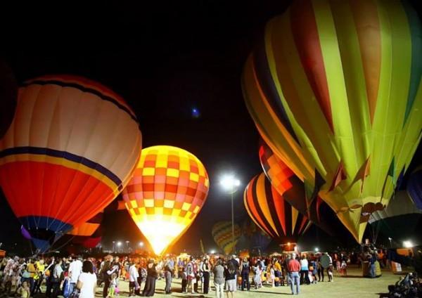 salt river fields halloween balloon spooktacular via facebook