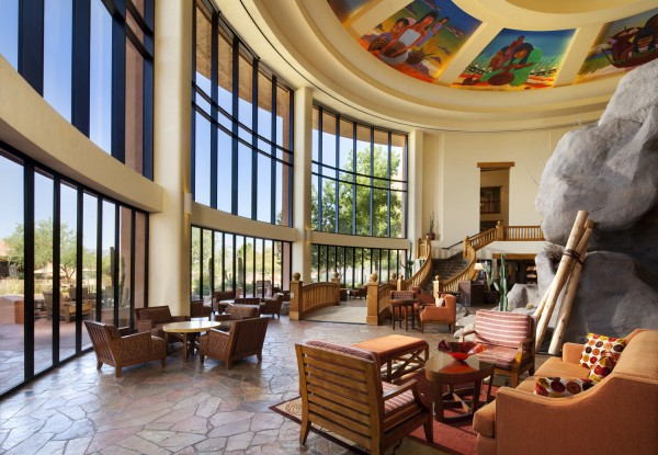 The lower lobby of Sheraton Wild Horse Pass Resort & Spa