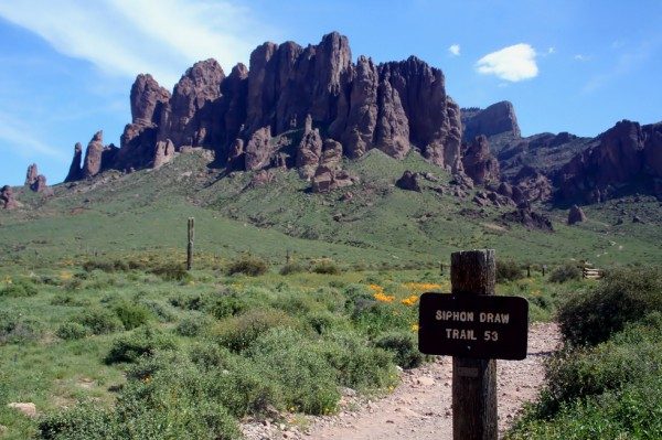 Siphon Draw Trail in the Superstition Mountains