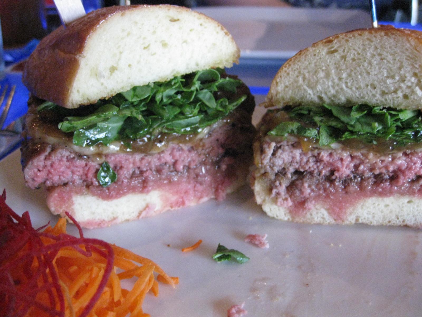 delux burger