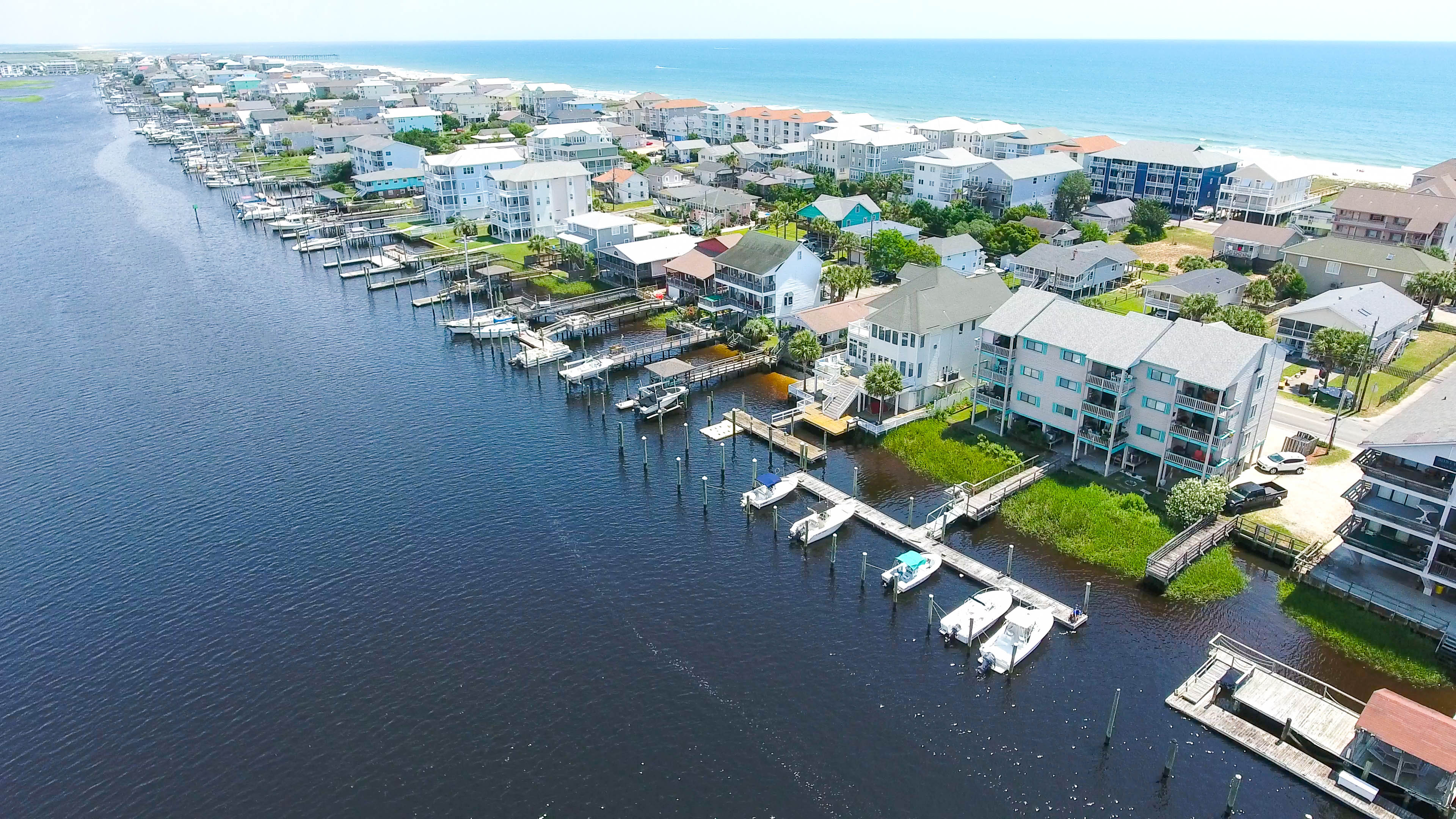 Awe Inspiring Carolina Beach Vacation Homes Beachfront Condo Rentals Download Free Architecture Designs Grimeyleaguecom