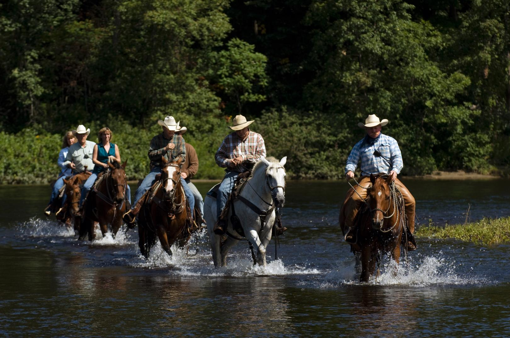 Dude Ranches in NY | Horseback Riding, Outdoor Activities