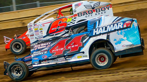 Super Dirt Week Photo by Alex and Helen Bruce Racing Photos 2016
