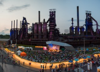 Musikfest on the Southside at dusk