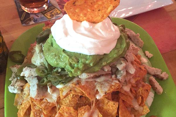 chicken lounge nachos
