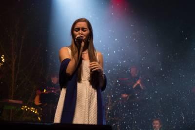 Kaylin Singing
