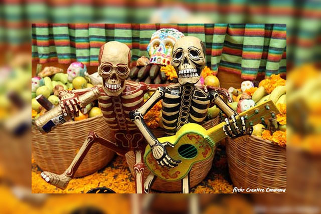 Skeletons Dia de los Muertos - Flickr Creative Commons
