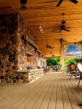 Farmhouse Restaurant front porch